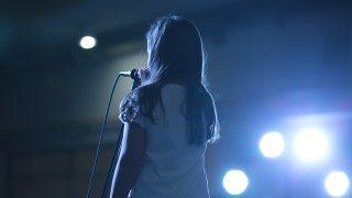 【800字書評】朝井リョウ『少女は卒業しない』|少女は卒業する