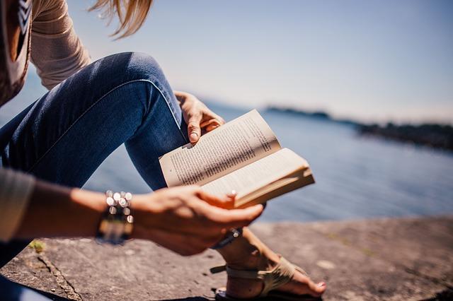 【800字書評】『本を読む人だけが手にするもの』|近眼だけではない